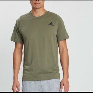Adidas Freelift Olive green Tee Size L